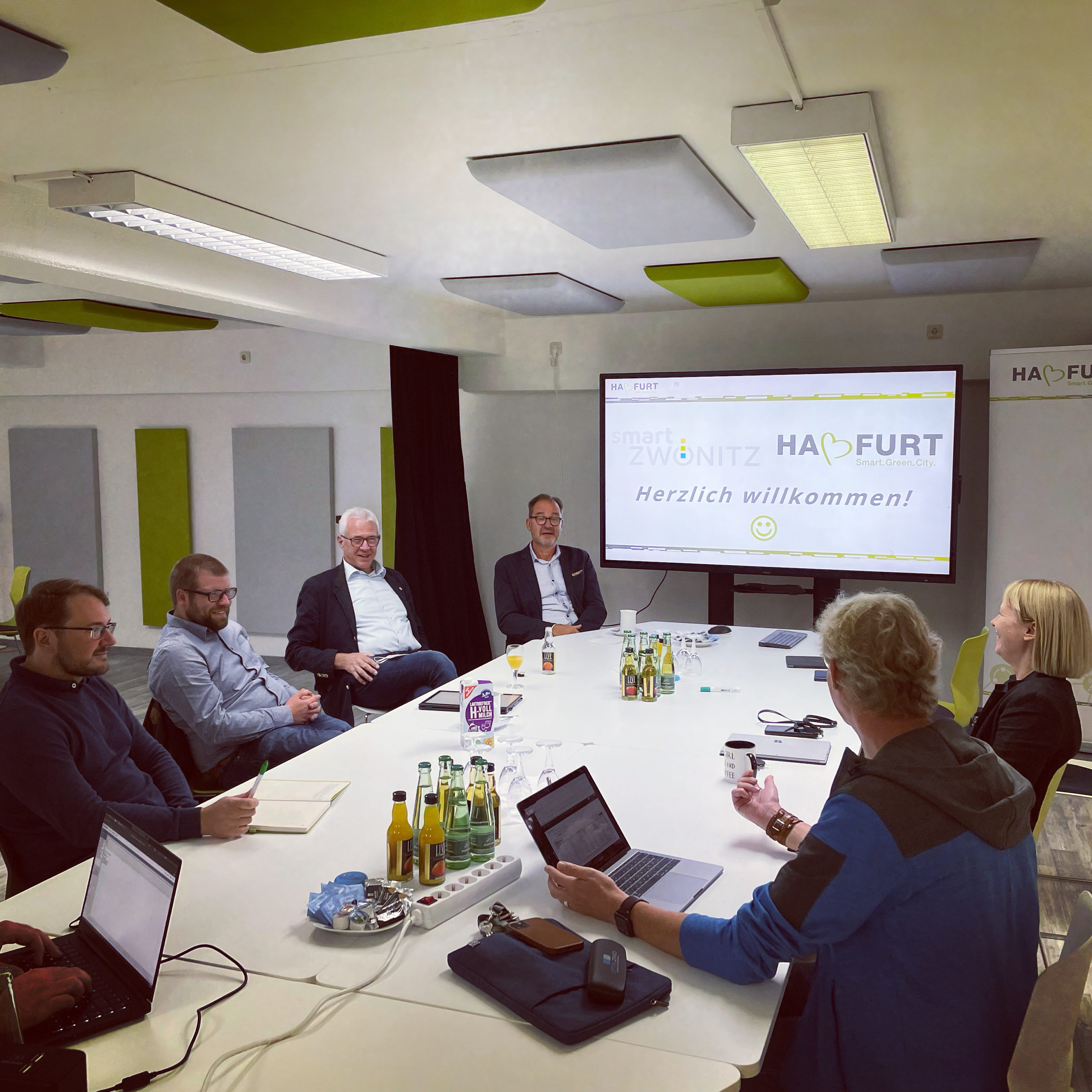 Vertreter der SC Zwönitz treffen sich mit der Smart Green City Haßfurt.